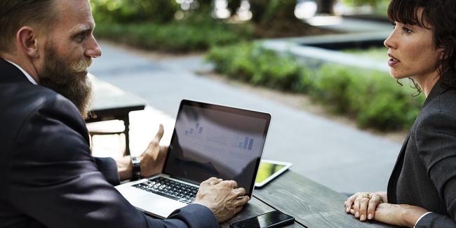 Qu'est-ce qu'un conseiller fiscal ? Avantages et inconvénients de passer par ce professionnel ?